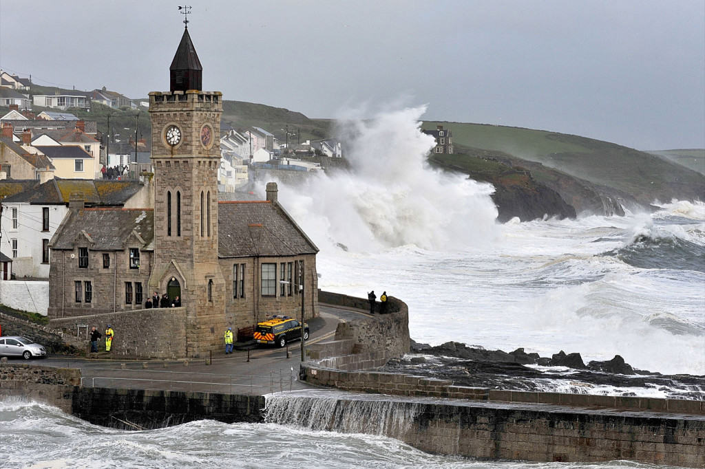 Storm Hunting at Porthleven