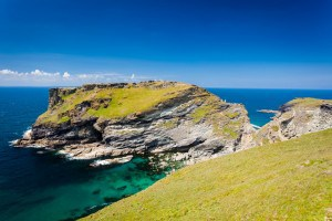 Tintagel Castle - places to visit in Cornwall