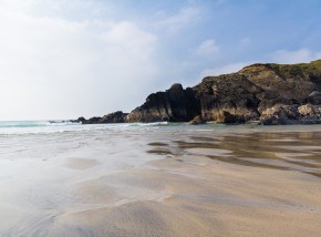 Beaches in Cornwall - Polurrian Cove