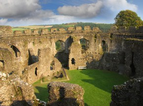 Things to do in Cornwall - Restormel Castle
