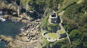 Places to visit in Cornwall - St Catherine's Castle