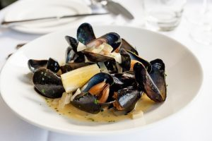 Cornish fish recipes - mussels steamed in cider