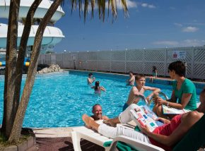 swimming pool - Perran Sands